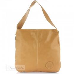 Modna i pojemna beżowa torebka z miękkiej skóry