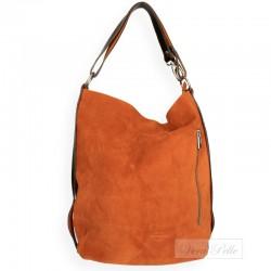 Zamszowa torebka typu worek w kolorze camel