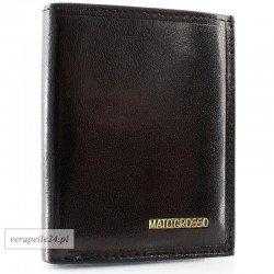 Czarne skórzane etui na dokumenty i karty płatnicze